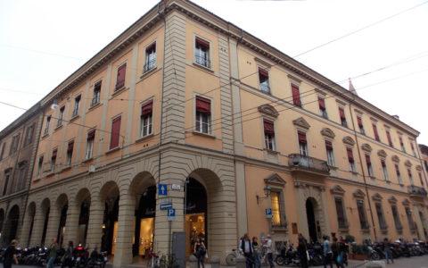 Bologna. Palazzo Via D'Azeglio
